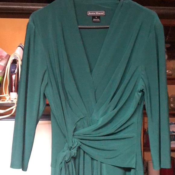 Jessica Howard Dresses & Skirts - Green dress 3/4 length sleeves
